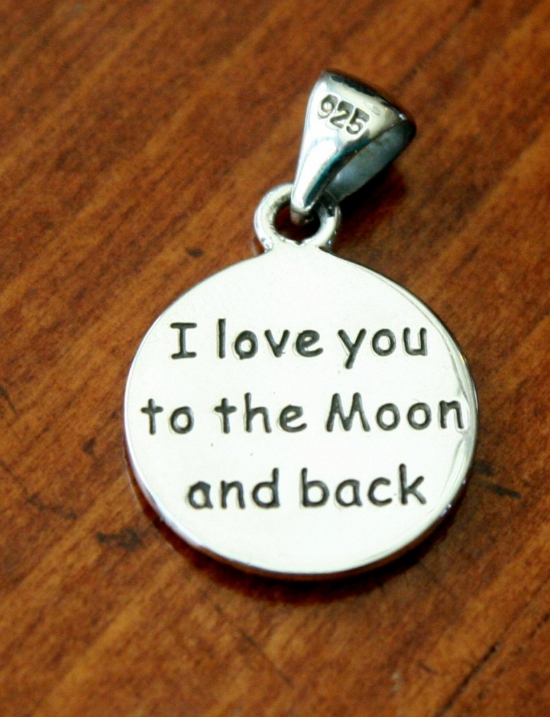 i love you to the moon and back charm kandsimpressions. Black Bedroom Furniture Sets. Home Design Ideas