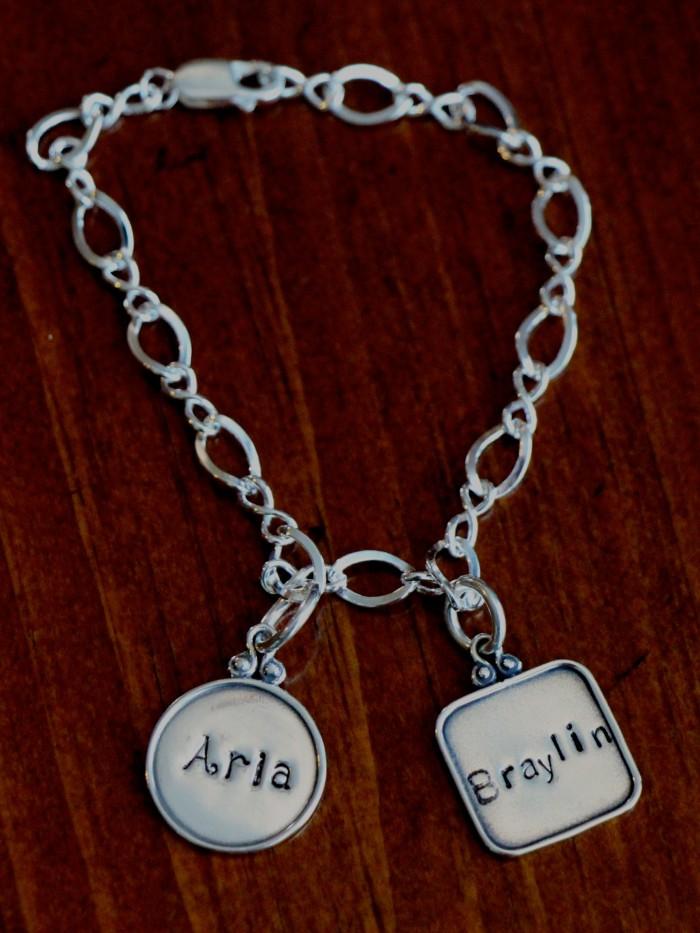 personalized name charm bracelet kandsimpressions. Black Bedroom Furniture Sets. Home Design Ideas
